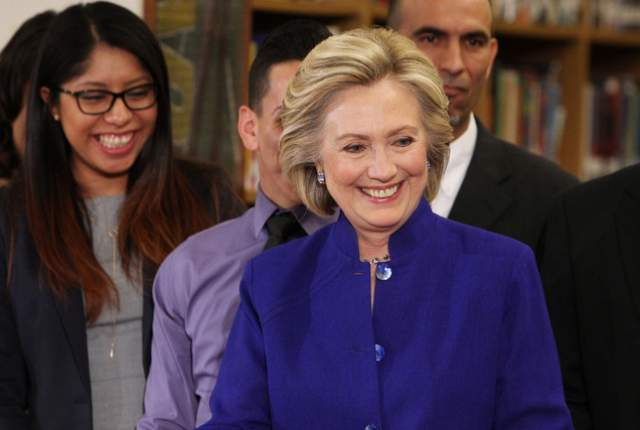 Clinton hold a roundtable discussion in Las Vegas on May 5, 2015
