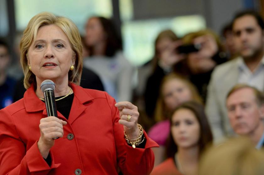 Clinton announces her Gun Control proposes in New Hampshire on October 5, 2015.