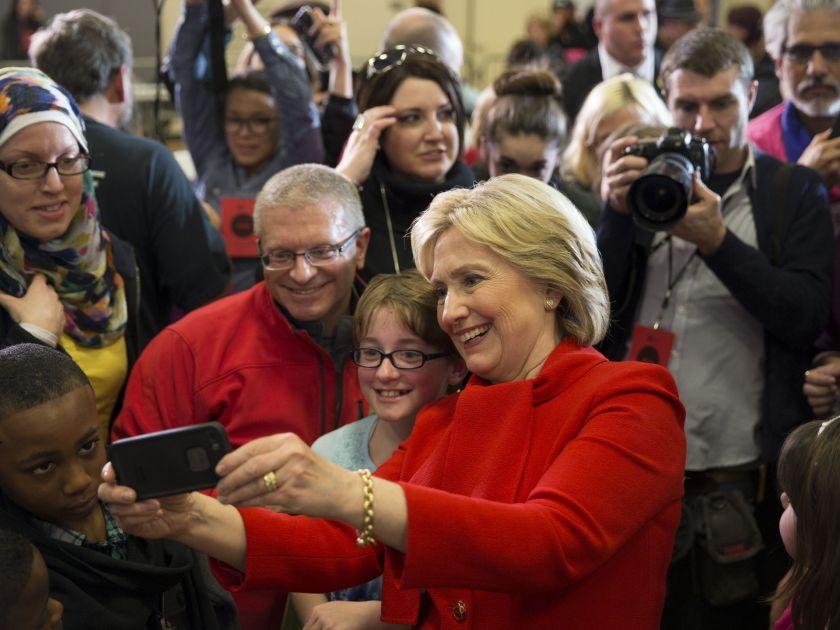 635892602046498455-DEM-2016-Clinton-bsmith-dmreg.com-4-2-