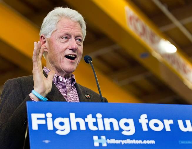 20160205_Sun_Bill_Clinton_Carpenters_LE4_t653