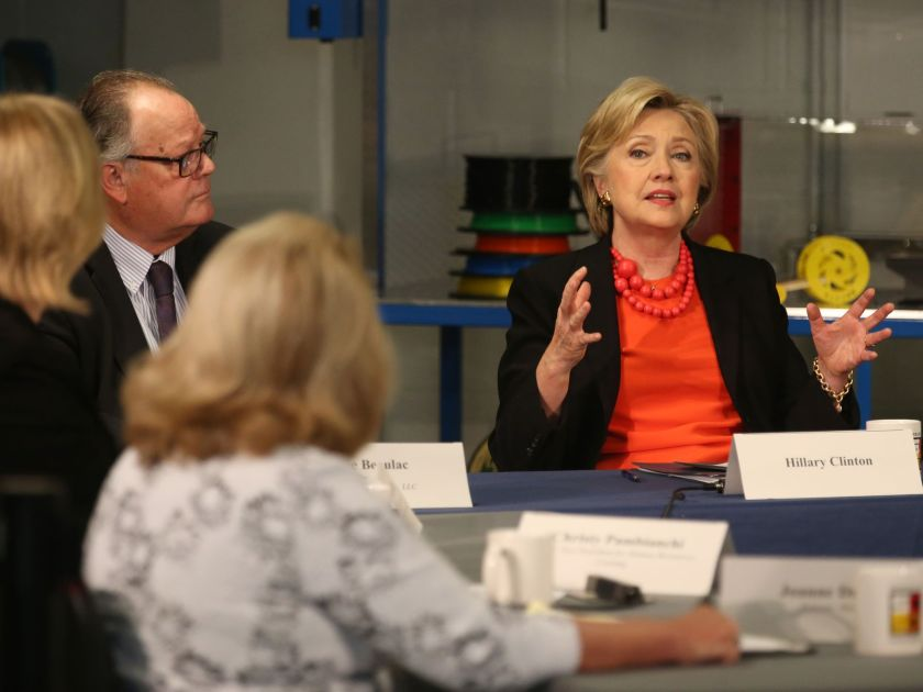 Hillary Clinton leads the discussion at a manufacturing roundtable in Syracuse, New York on April 1, 2016.